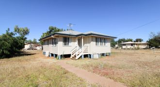 4 Doris Street, Cloncurry